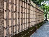 Traditional Japanese bamboo fence design for garden fencing projects. Katsura-gaki built in Takeho-gaki Style